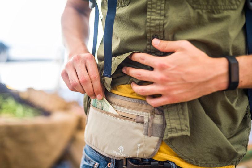 10-surprising-ways-keep-your-bag-safe-go